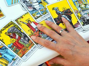 Why_Tarot_Is_NOT_As_Scary_As_You_May_Believe